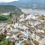 Escápate a Iznájar y descubre lo que este precioso pueblo te puede ofrecer.